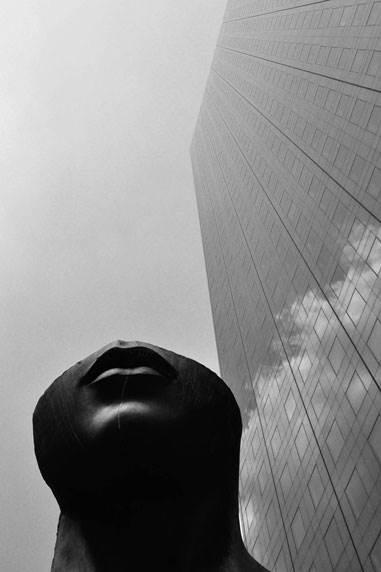 statue-building